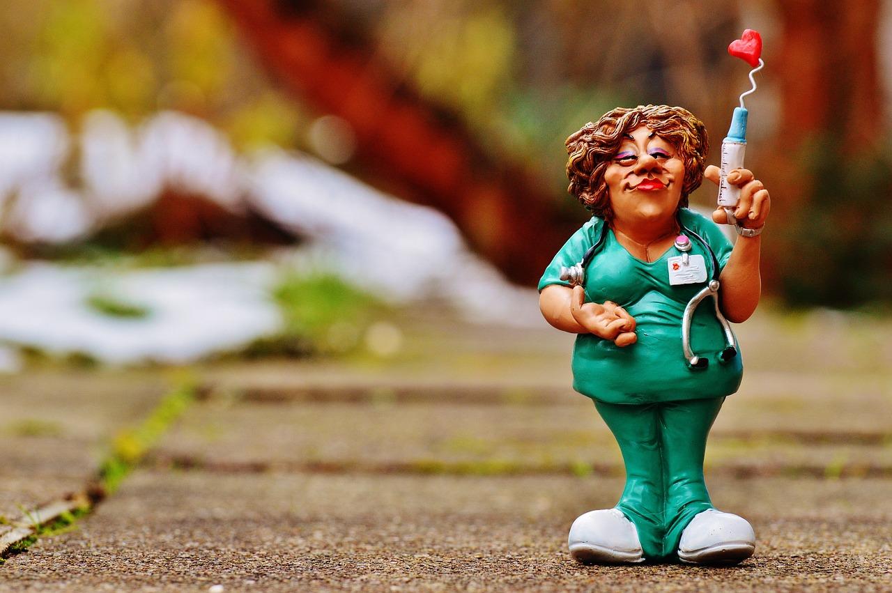 早期緩和ケアクリニック外来の緩和医療専門医(緩和ケア医)大津秀一が解説するモルヒネ等の医療用麻薬の注射薬の利点