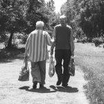 がんの家族に早期緩和ケアを伝える「元気で長生き」