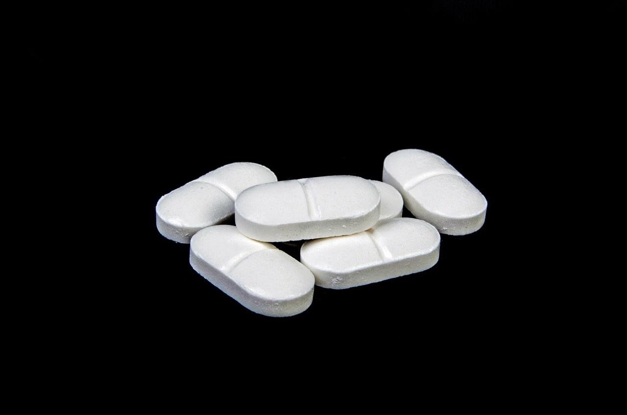 カロナールvsロキソニン 痛みに早く効き副作用が少ないのはどっちか専門医が解説【2019年最新版】