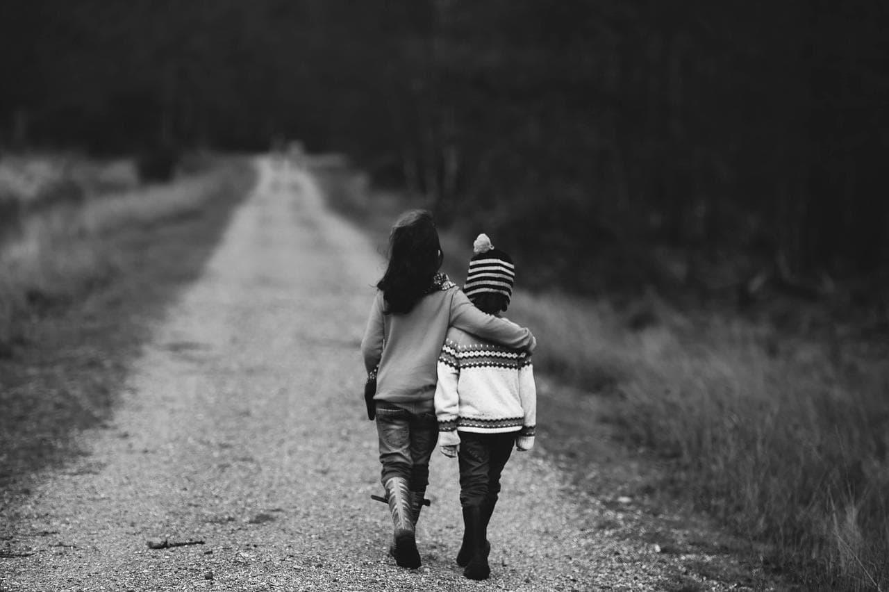 小児がんの早期からの緩和ケアについて解説